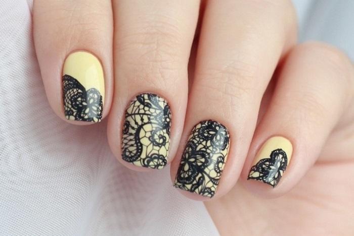 Кружевные наклейки на ногтях