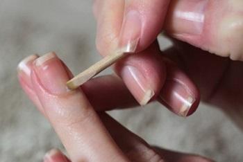 Процедура необрезного маникюра