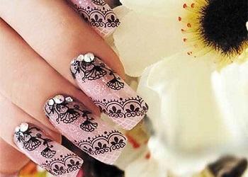 Кружева на ногтях