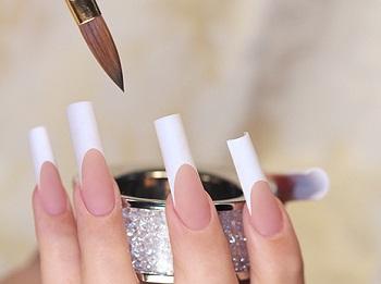 Наращенные с арочным моделированием ногти