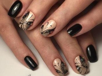 Красивый маникюр с бабочками
