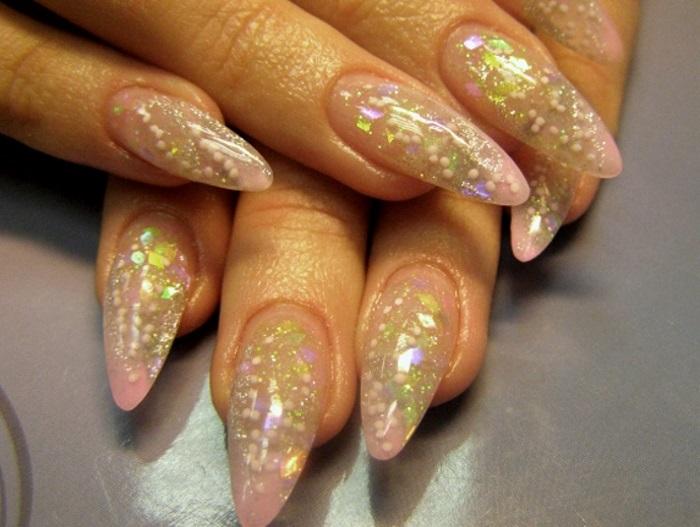 Аквариумный дизайн ногтей с бульонками
