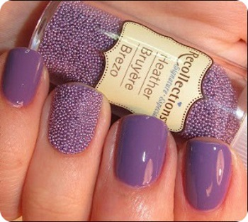 Бульонки в нежном фиолетовом маникюре