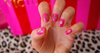 Шанель розовый
