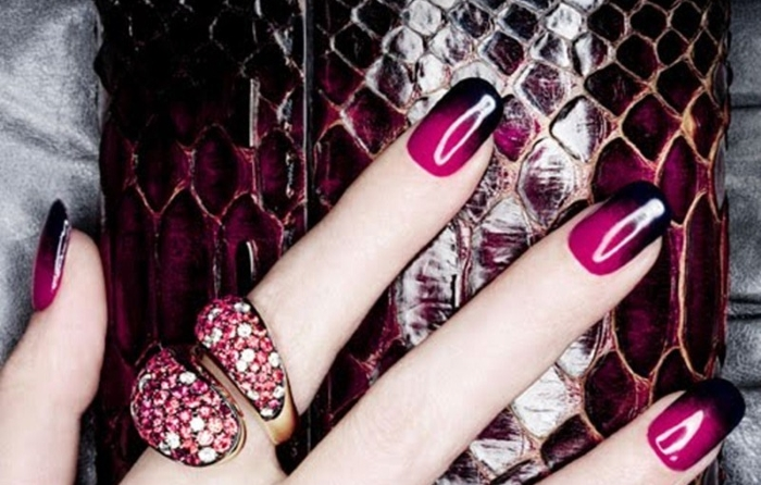 Чёрно-розовый градиент