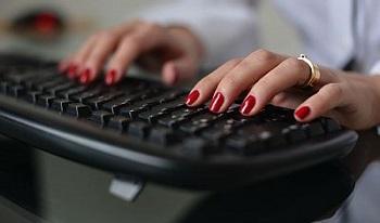 Маникюр и клавиатура