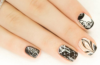 Роспись ногтей дотсом