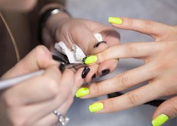 Рисунок на ногтях гелем-лаком