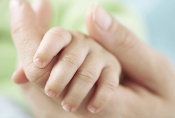 Ноготки у младенца при рождении мягкие и нежные