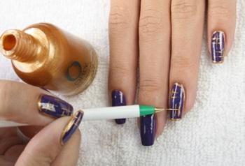 Роспись ногтей иголкой