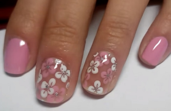 Цветы иголкой на ногтях