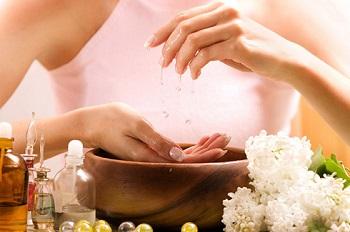 Ухаживающая ванночка для ногтей