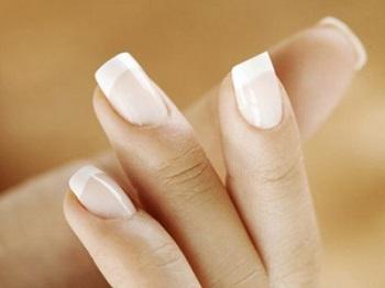 Современный человек относится к процессу стрижки ногтей практически
