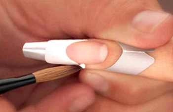 Коррекция ногтя френч-гелем
