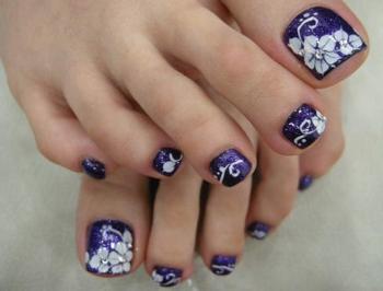 Декорирование ногтей ног