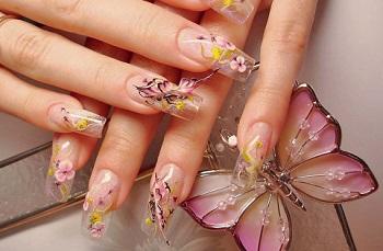 Лепка на ногтях, выполненная акрилом