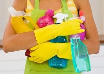 Во время домашних работ нужно защищать руки перчатками