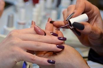 Процесс покрытия ногтей гелем-лаком