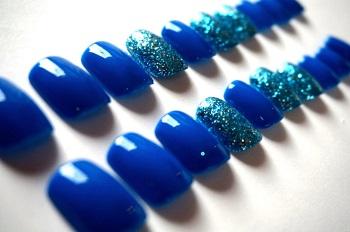 Накладные ногти с ярким дизайном