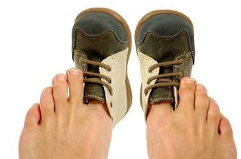 Тесная обувь сказывается на состоянии ногтей на ногах