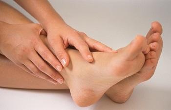 Для сохранения здоровья и красоты ногтевых пластин не пренебрегайте регулярным уходом