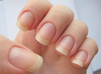 Перед маникюром нужно определиться с формой ногтей