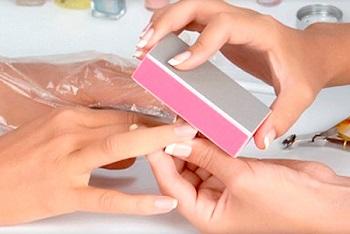 Полировка ногтей бафом