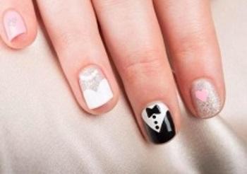 Вариант оформления свадебного маникюра на коротких ногтях