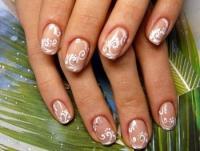 Красивый свадебный маникюр на короткие ногти