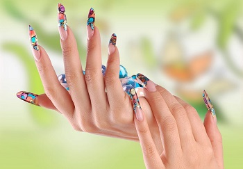 Европейский маникюр не подходит при наращенных ногтях