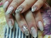 Дизайн жидкие камни на ногтях