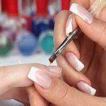 Необходимость укреплять ногти – актуальная проблема современной косметологии. Плохая экология и постоянное применение лаков с химическим составом делает их уязвимыми. Можно забыть про отращивание, спасая ногти от ломкости и расслоения, а можно просто укрепить их гелем.  481